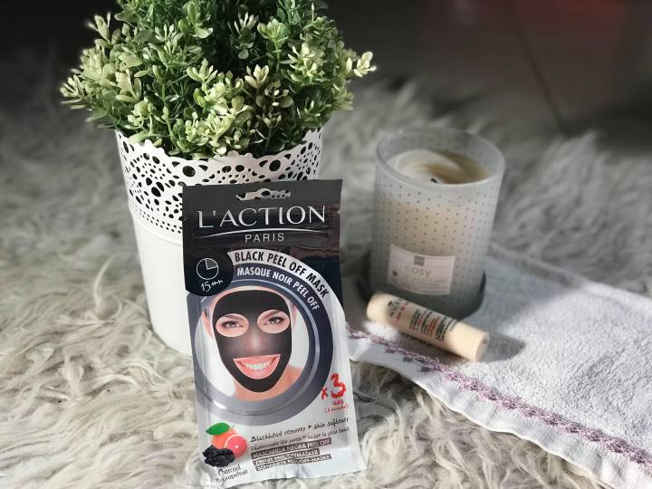 L'ACTION PARIS : Black peel off mask.